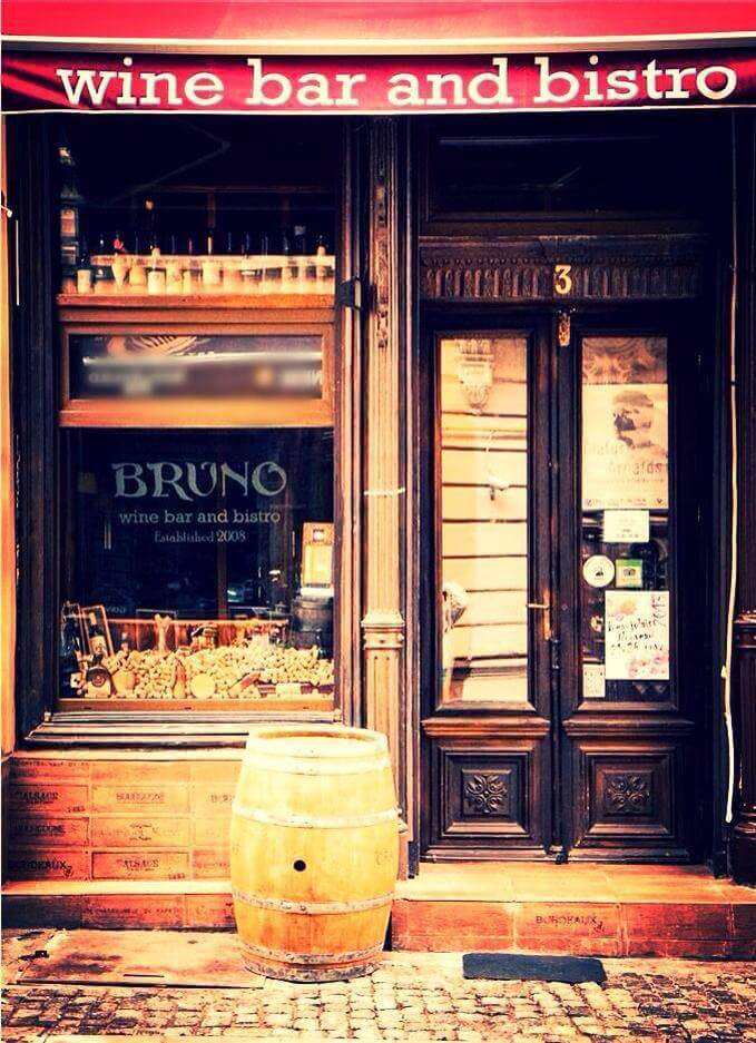 Bruno wine bar, Bucharest old Town