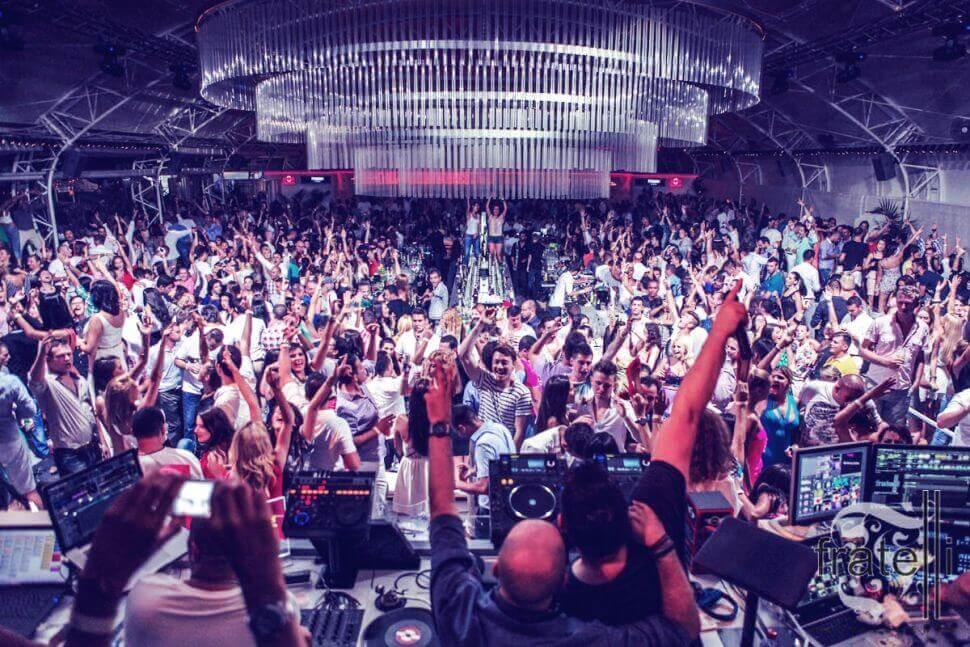 Clubbing in Mamaia
