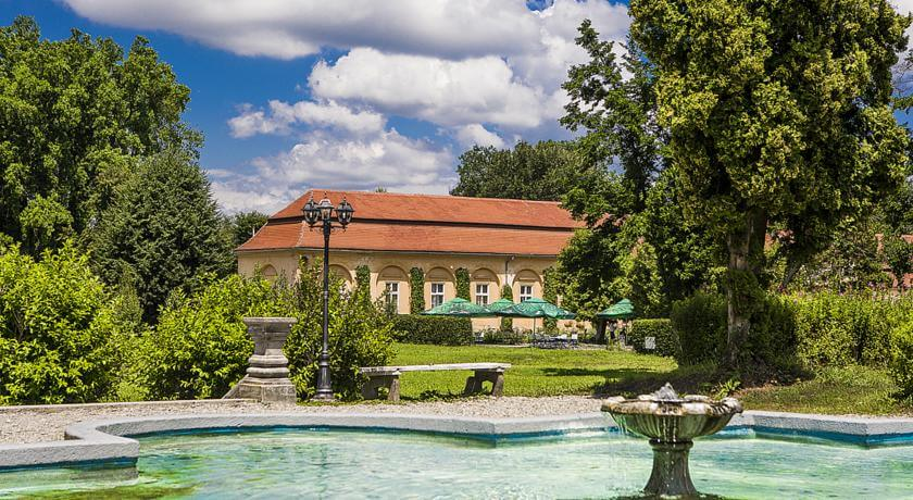 palaces to rent in Transylvania