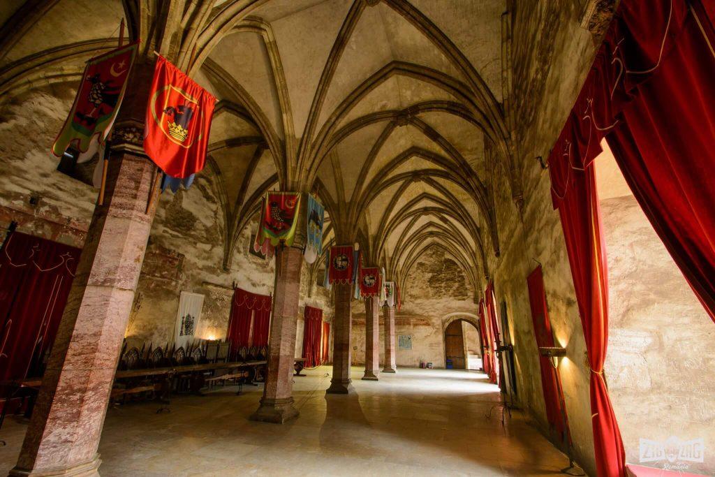 Corvin castle to rent
